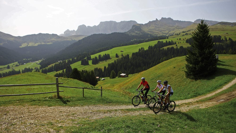 Summery leisure activities in the Dolomites