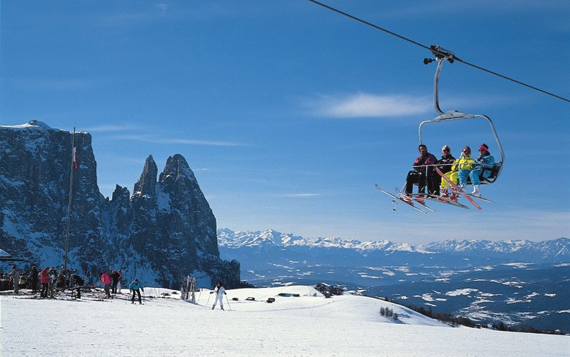 Alpine skiing on the Alpe di Siusi and in the Gardena Valley