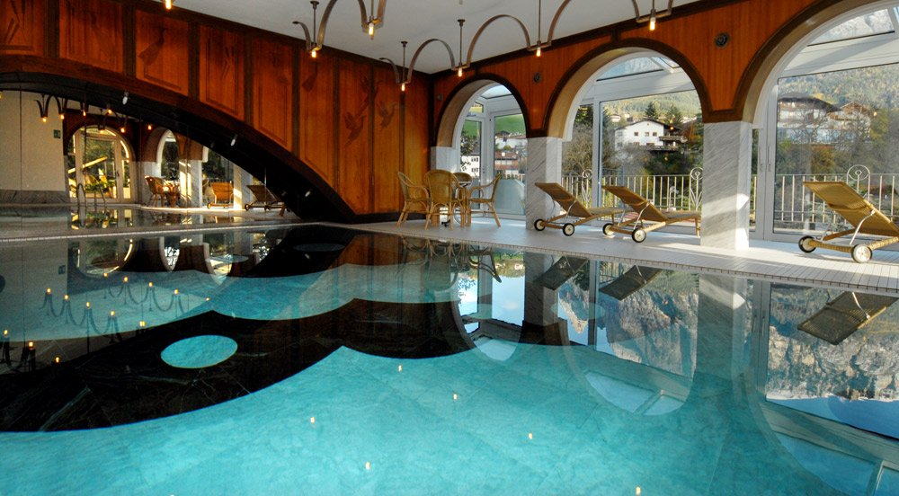 Hotel with indoor pool in South Tyrol: pleasure holidays in Fiè allo Sciliar